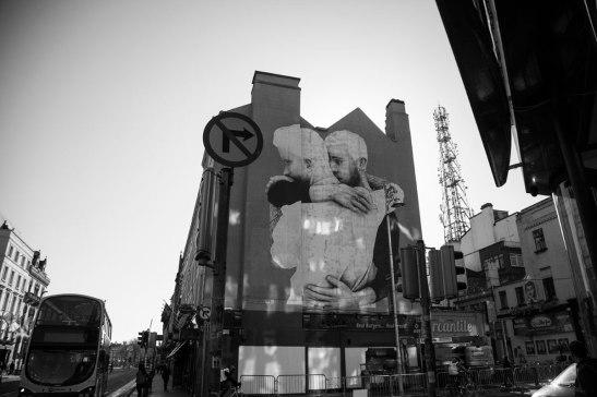 The Claddagh Embrace, Joe Caslin, St George Street, Dublin, 2015. Image credit Joe Caslin